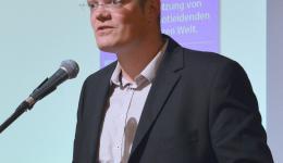 Heiko Hümmer bei der Einleitung