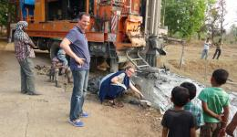 200 Meter tief musste der erste Brunnen in Madhya Pradesh gebohrt werden.