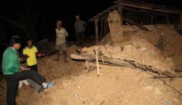 Until well into the night people show us their destroyed homes. All their belongings are buried under the rubble.