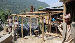 The very next day, the villagers have built the framework for a house with the tools and nails, which we bought in Kathmandu ..