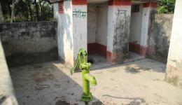 Hier die fast fertige Sanitäranlage...