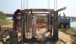 2. Besuch bei der Baustelle für die Wasserleitung - Das Pumpenhaus ist im Bau begriffen.