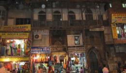 Straße am Hauptbasar in Alt Delhi.