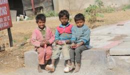 drei Straßenkinder