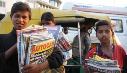 tausende von Kindern versuchen ihr Glück mit dem Verkaufen von Zeitschriften, Kokosnussstückchen oder anderen Kleinigkeiten...