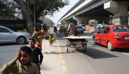 2. warme Mahlzeit für Straßenkinder