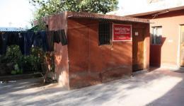 Das Nähzimmer im Ashiana Kinderheim, hier werden Frauen aus der Umgebung unterrichtet. Der Freundeskreis spendet eine Industrienähmaschine um die Hilfe zur Selbsthilfe zu unterstützen.