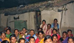 25.02.'12 - Wir sind betroffen von den Lebensumständen in diesem Dorf, die wir als noch schwieriger einstufen, als die der ersten Kolonie. Auch hier ist das größte Hinderniss zur Selbstversorgung der einhundertdreißig Menschen: Mangel an Wasser.