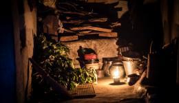 Hütte im Lepradorf bei Nacht…