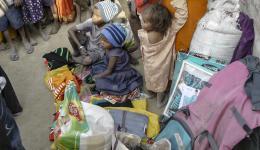 Winterkleidung, Decken und Nahrungsmittel ermöglichen der Familie eine Überbrückung bis wir im nächsten Jahr wiederkommen. Dann möchten wir den Kindern einen Schulbesuch ermöglichen.
