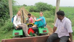 Thomas and Katrin together with Venu on their way to the colony Jammikunta; in the name of FriendCircle WorldHelp purchasing material to plaster the huts, thereby protecting them against the weather.