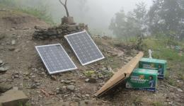 Also two solar charging units are bought for the village. So the villagers will have lighting in the evening and can load their mobile phones, which are their only link to the outside world.