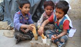 THANKS to ALL the friends at home, whose heart also goes out to these children and their fate ...