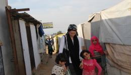 Waisenkinder wie diese beiden Mädchen hier haben im Flüchtlingscamp ein neues Zuhause gefunden. Dank der großen Hilfsbereitschaft anderer Familien.