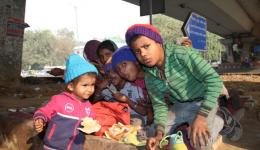 We visit also the children at the usual places of the FriendCircle Worldhelp soup kitchen actions.