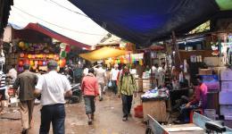 Geschäftiges Treiben in Alt-Delhi...