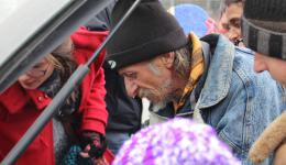 Jan. 1st, 2015 - Oradea, Romania. The team is complete, Gregor and Frank arrived by car. Together with Emma, Liam, Alexandra and Katrin they will visit places where Emma assumes poor people to live. Distribution of caps and scarves.