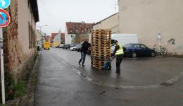 Dec. 11, 2014 - The pallets are delivered by the company Schenker. On Sunday Dec. 14 the trip starts - First delivery and packing action in Färbergasse 28.