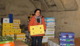 Susanne 'delivering' the next carton with sunflower oil.