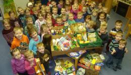 Dec. 23, 2094 - Thanks to all donors  and helpers!! From various kindergartens (Gundelsheim and Sylbach) and schools (Montessori School Bamberg) donated packages are received.