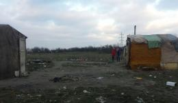 This photo came by mobile at the first day of the distribution. A colony of self made huts near Oradea which we already visited last winter.
