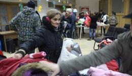 20 very poor families are invited to the Caritas in Cluj Napoca in order to chose clothes. All are very moved and grateful.