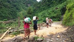 Auf dem Weg zum Dorf der Chepang.