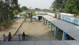 FriendCircle Worldhelp finances the construction of canopies in a leprosy village, so that in the rainy season no water penetrates into the small rooms.