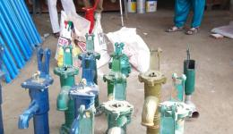 For the three leper colonies facilities for the supply of drinking water are urgently needed. Here hand pumps are purchased.