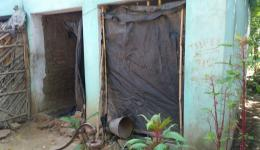 In the monsoon season moisture penetrates into the walls of the buildings of this leprosy village. Instead of doors there are only plastic sheeting or old fabrics.
