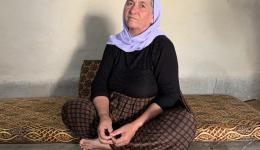 Gauri (heißt ebenfalls Gauri) ist 55 Jahre alt. Sie vermisst ihre Tochter. Am 03. August 2014 wurde sie vom Islamischen Staat gefangen genommen. Sie hofft, dass ihre Tochter Samia eines Tages fliehen und zu ihr nach Hause zurückkehren kann.