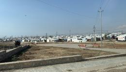 In den Flüchtlingsunterkünften werden  Familien besucht...