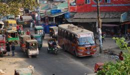 Straßenszene in Cox Bazar, Bangladesch.