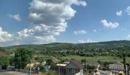 Heute morgen gab es ein herzliches Wiedersehen mit den moldawischen Freunden Christina und Victor. Ein Begrüßungskaffee und sofort werden Listen der bedürftigsten Familien von Călărași und Umgebung erstellt.