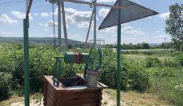 Einer der vielen funktionierenden Brunnen. Auf den Dörfern die Basis für die Versorgung der Menschen...