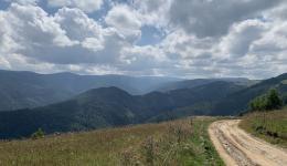 Die Berge der Karpaten weisen eine wunderschöne Landschaft auf. Doch so schön sie im Sommer erscheint, so sind die Winter extrem hart...