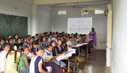 Diese Schule in Morampudi unterrichtet und beherbergt 158 Kinder aus unterprivilegierten Verhältnissen.