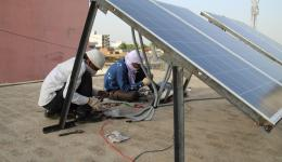 Im Juni kaufte der FriendCircle WorldHelp Solarplatten für das Zentrum. Durchgehender Strom ist eine große Erleichterung für die Einrichtung.