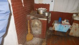 Kitchen with cooker in the country ...