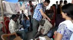 Embedded thumbnail for Medizinisches Camp, Bihar, Nordindien - 11/2013