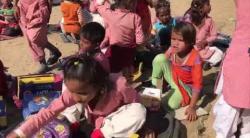 Embedded thumbnail for Verteilung von Schuhen an Kinder unterhalb der Armutsgrenze