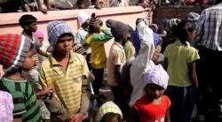Embedded thumbnail for Verteilung von gespendeten Wollmützen in einer Schule, Bundesstaat Bihar, Nordindien - 11/2013